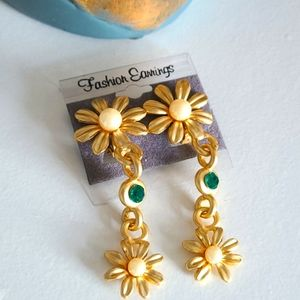 Vintage Floral Clip-on Drop Earrings, Gold tone